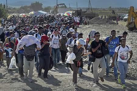 ACNUR urge a más traslados a Grecia continental de refugiados desde las islas