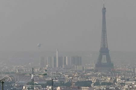 París y Lyon restringirán mañana la circulación a vehículos más contaminantes