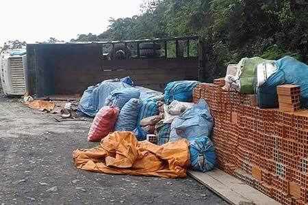 Cuatro heridos en accidente de camión en Chulumani