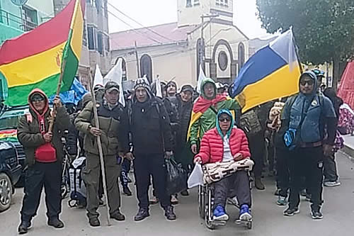 Desocupados de Huanuni emprenden marcha a La Paz