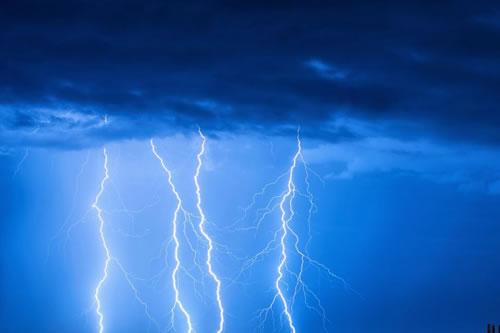 Senamhi declara alerta naranja por intensas lluvias y tormentas eléctricas en siete departamentos