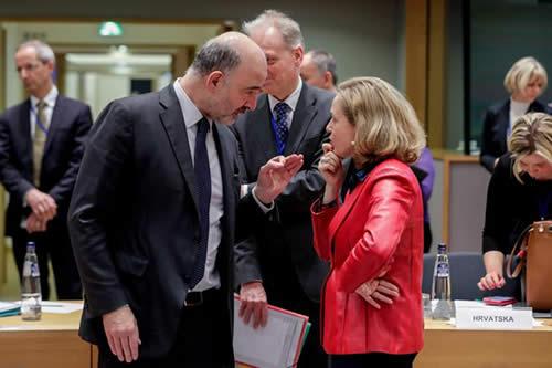 La CE descarta una recesión en la eurozona, pero pide actuar para repuntar