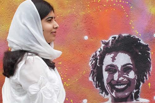 Malala plasmó el rostro de Marielle Franco en una favela de Río de Janeiro