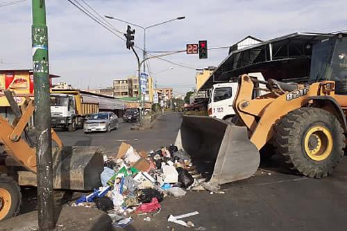 Inició el recojo de 6 mil toneladas de basura en Cochabamba para su traslado al botadero de K'ara K'ara