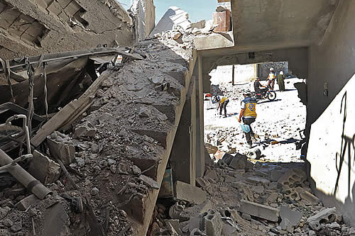 """La Siria destruida no recibirá """"ni un solo dólar"""" de EE.UU. hasta que no """"expulse"""" a Irán: Pompeo"""