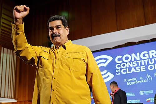 """""""EE.UU. le ha dado la tarea de matarme a la oligarquía colombiana"""": Maduro"""