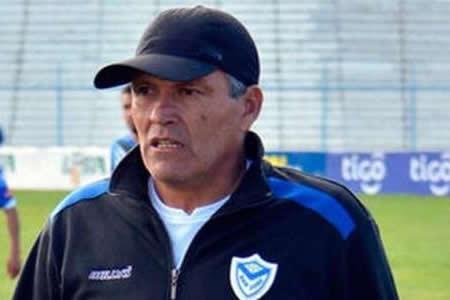 Néstor Clausen dejará el mando de San José al finalizar el torneo