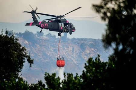 Los incendios de California, contenidos solo en 15 %, dejan 100.000 evacuados