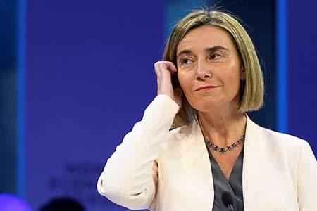 """Mogherini pide cooperación en el Mediterráneo, """"la región más conflictiva"""""""