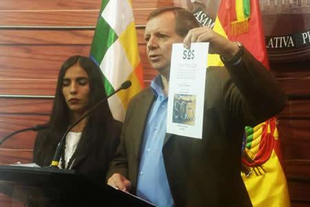 Legislativo denuncia 'guerra de mentiras' contra el Código