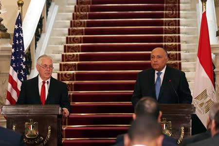 Tillerson inicia una gira en Oriente Medio con muestras de apoyo a Egipto