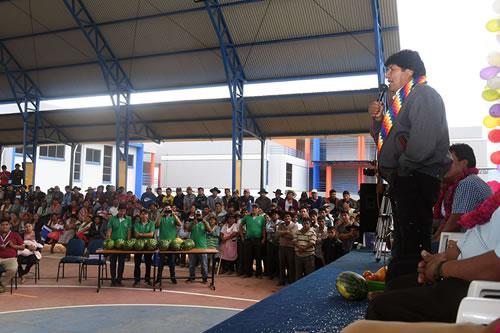 Morales denuncia que EEUU a nombre de la democracia va tras el petróleo de Venezuela