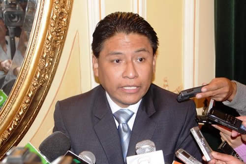 """Exmagistrado dice que no se puede tomar como """"precedente"""" para Bolivia el caso de Nicaragua"""