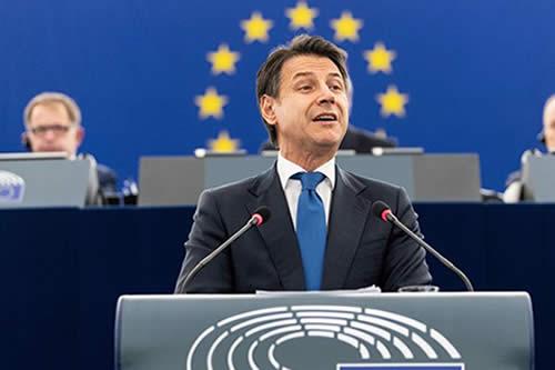 La Eurocámara reprocha a Conte la actitud antieuropea del Gobierno italiano