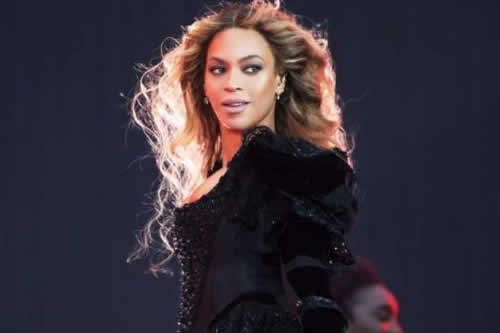 Beyoncé encabeza un Festival de Coachella con sabor latino y poco rock