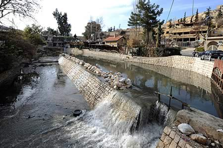 Autoridades sirias afirman que negociaciones continúan en el valle del Barada