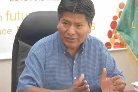 Gobernador anuncia ampliación del plazo para la conclusión de obras del Teleférico de Oruro