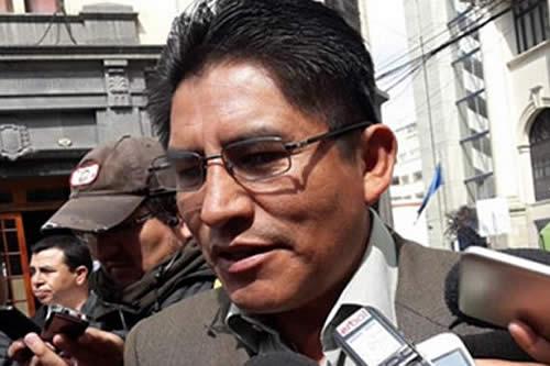 Felix Patzi acusa de 'apología electoral', Cabildeo rechaza