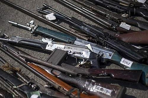 Perú entregará a Bolivia armas robadas del puesto militar 'Bruno Racua'