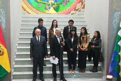 Bolivia beca a seis profesionales a Rusia para que se especialicen en tecnología nuclear