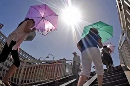 China emite alerta por ola de calor que ya ha causado 19 muertes