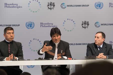 """Morales rechaza privatizar la responsabilidad climática: """"Se gasta más en la guerra"""""""