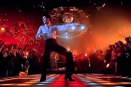 Cuarenta años de la fiebre discotequera de Travolta