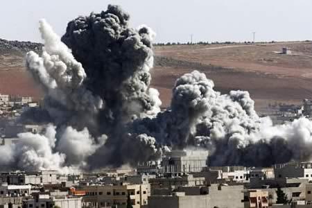 Bombarderos estratégicos rusos atacan posiciones del EI en Siria