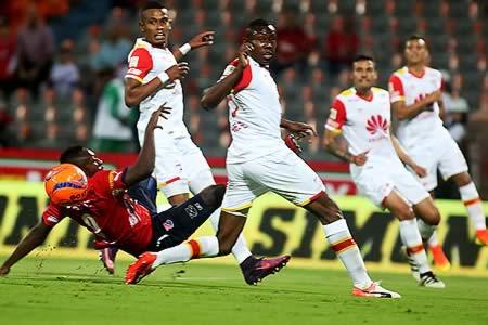 Medellín y Santa Fe empatan sin goles en la ida de la Superliga de Colombia