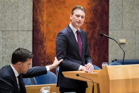 Dimite ministro holandés de Exteriores tras inventarse anécdota sobre Rusia