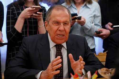 Rusia exige a Londres una muestra de sustancia química y convoca a embajador