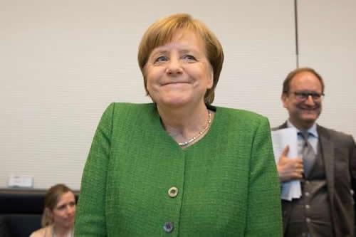 Merkel, ante su investidura para un cuarto mandato