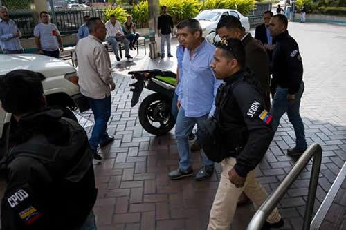 El Servicio de inteligencia detiene a exministro disidente del chavismo