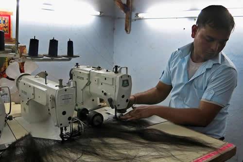 El pelo indio gana peso, pero pierde dinero en el mercado internacional