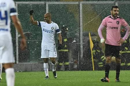 El Inter alcanza la zona europea y Simeone firma otro gol con el Génova