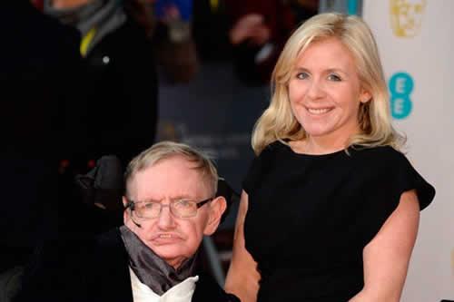 """La hija de Stephen Hawking entró en """"shock"""" cuando murió su padre"""