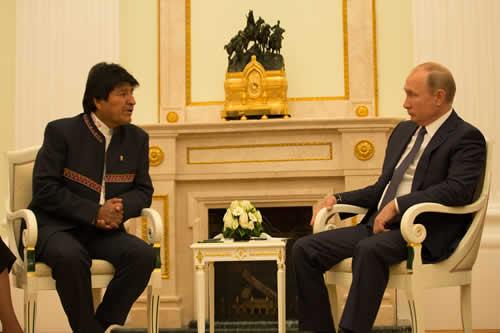 Morales pide a Putin ser parte de la Comunidad Económica Euroasiática