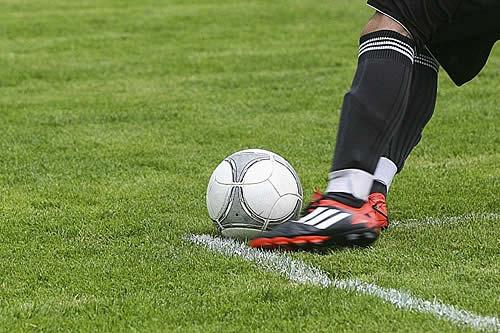 Selección chilena de fútbol suspende amistoso con Perú en apoyo a protestas