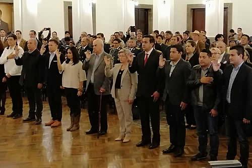 Añez posesiona Gabinete; aparecen conocidos como Arturo Murillo y Yerko Núñez