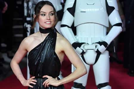 """Daisy Ridley: """"No tengo miedo de que me recuerden sólo por hacer de Rey"""""""
