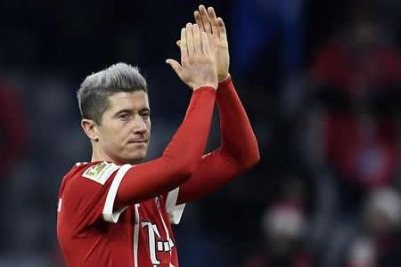 El Bayern gana en Colonia con gol de Lewandowski y aumenta su ventaja