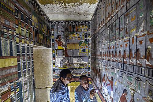 Desvelan una colorida tumba de la dinastía que gobernó Egipto hace 4.300 años
