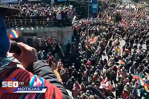 Cabildo en El Alto apunta a seguir con las medidas de hecho