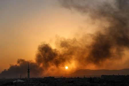 Suben a 61 los muertos en bombardeos a un mercado en provincia siria de Alepo