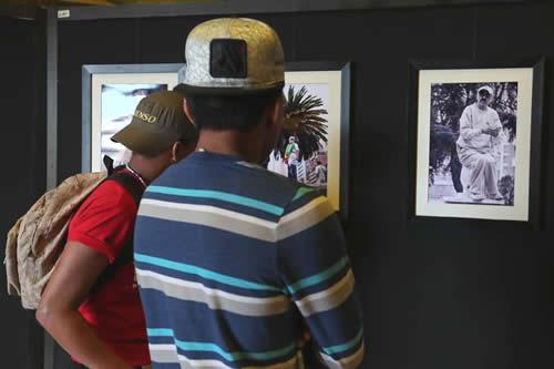 Una muestra fotográfica en La Paz, busca homenajear y resaltar lo humano de los paceños