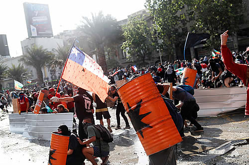 Nueva jornada de protestas en Santiago de Chile contra el Gobierno de Piñera
