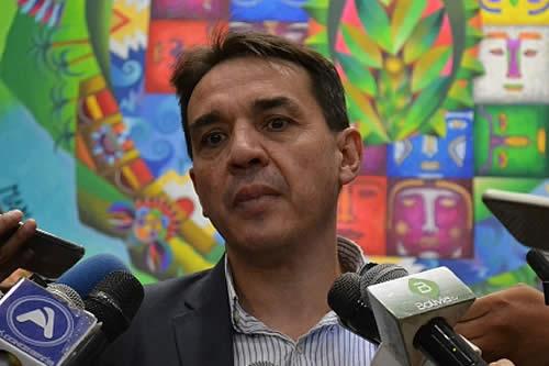 """Gobierno pide a la COB """"racionalidad"""" y deponer actitudes contra reglamento del segundo aguinaldo"""