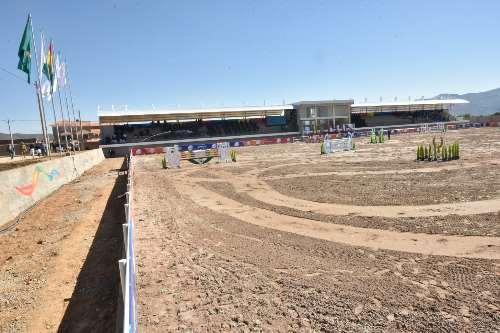 Bolivia instala el complejo hípico