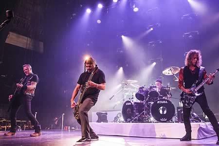 Metallica, John Legend y Carrie Underwood actuarán en los Grammy