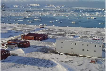 Canciller uruguayo celebra trabajo conjunto con China en la Antártida